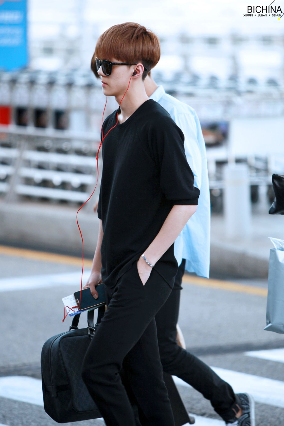 Exo baekhyun airport fashion