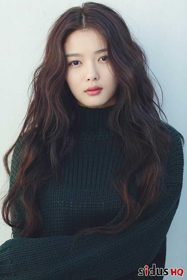 Photo )) Korean Actress Kim YooJung (Born In 1999) • Kpopmap