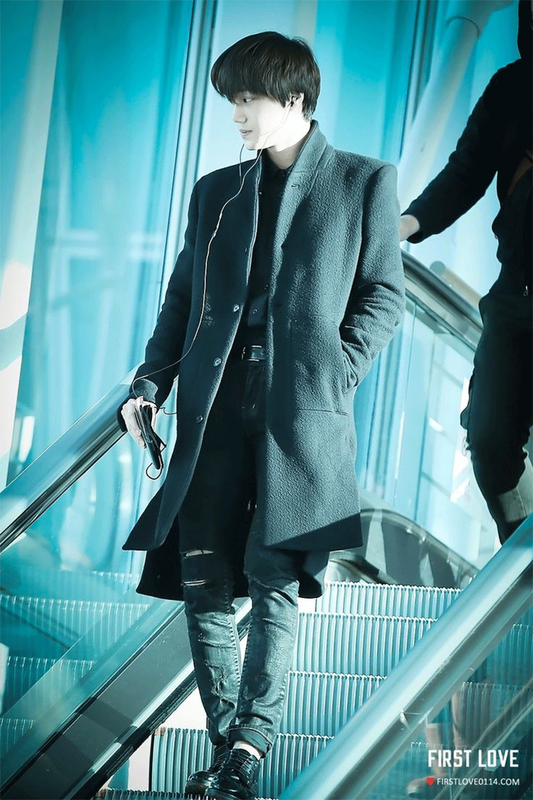 See The 6 Best Outfits From Idols With Long Classy Coats ...
