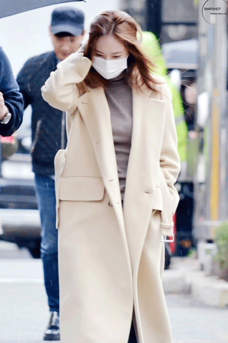 See The 6 Best Outfits From Idols With Long Classy Coats
