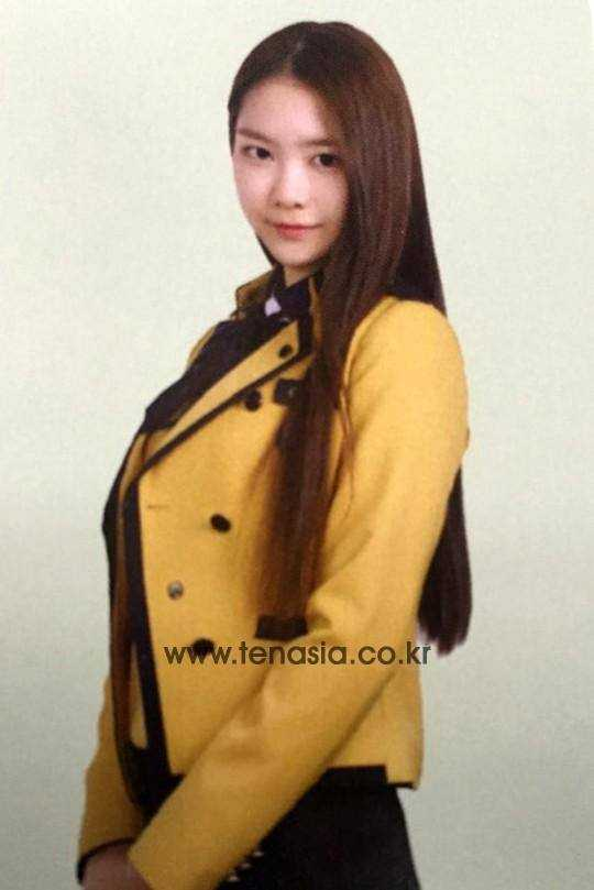 oh my girl jiho high school graduation yearbook photo