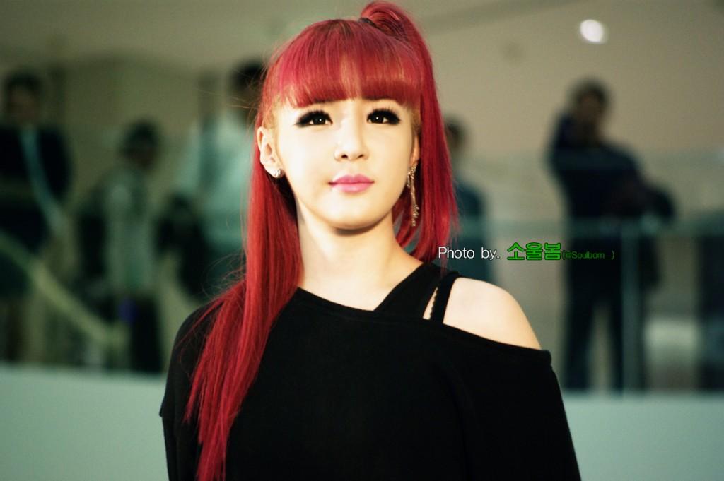18 kpop idols who slay the cherry red hair � kpopmap