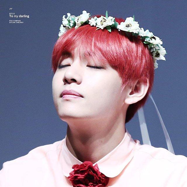 kpop idol, kpop male idol, kpop idol kiss, kpop idol kissing, kpop idol closing eyes, bts v kiss, bts v kissing