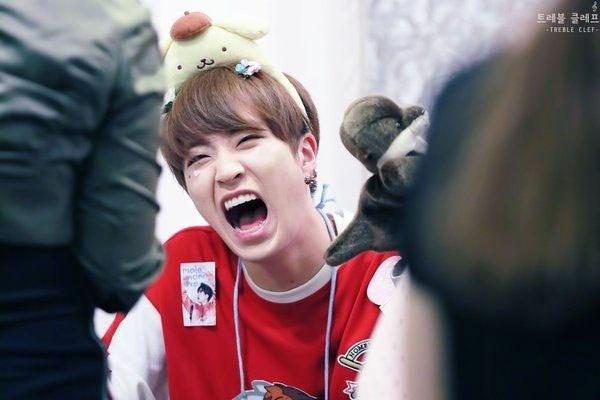 kpop idols laughing, kpop idols laugh, kpop laughing, happy laughing, laughing, youngjae laugh