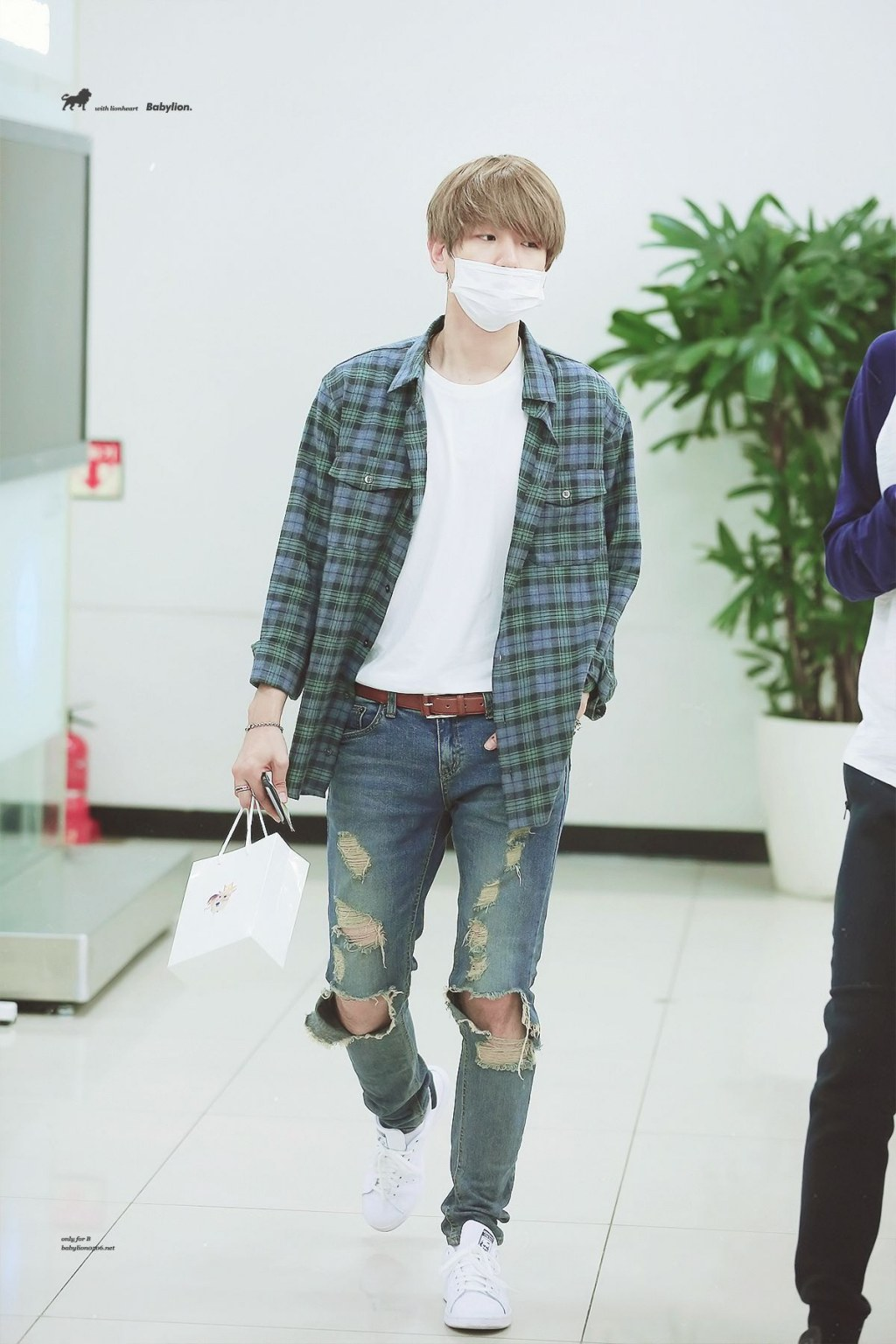 K-Pop Idol With Fabulous Airport Fashion: EXO BaekHyun