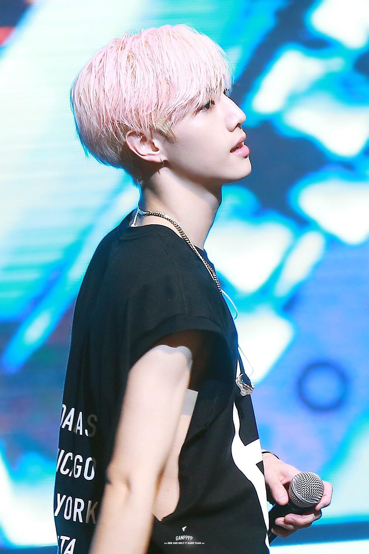 kpop idols pink hair, kpop pink hair, pink hair idols, pink hair kpop idols, got7 mark pink hair