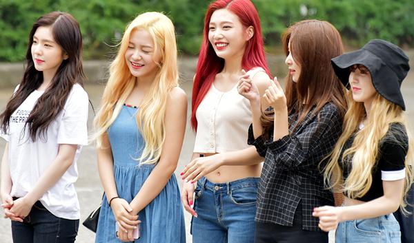 Photo )) 170721 Red Velvet Heading to KBS Music Bank