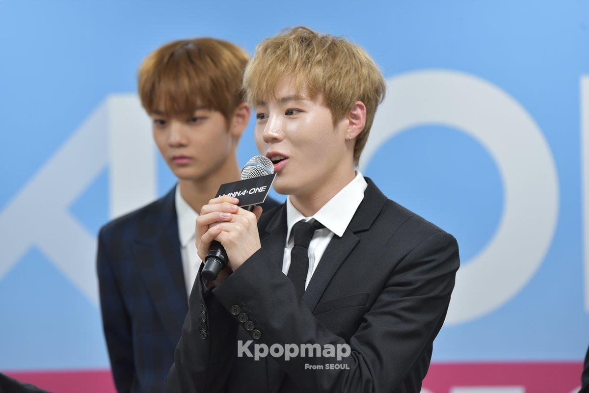 wanna one, produce 101 season 2, wanna one memeber, wanna one kpop, wanna one kpop profile, wanna one debut, wanna one debut showcase, wanna one showcon, wanna one showcon photo shoot, wanna one video, wanna one debut stage, wanna one debut album, wanna one album unboxing, kpop album unboxing, wanna one debut album review, kang daniel, park jihoon, lee daehwi, kim jaehwan, ong seongwoo, park woojin, lai kuanlin, yoon jiseong, hwang minhyun, bae jinyoung, ha seongun, 워너원, 워너원 쇼콘, 워너원 데뷔, 프로듀스 101 시즌 2, 워너원 데뷔 앨범 리뷰, wanna one to be one, 워너원 앨범 언박싱, wanna one photo shoot, wanna one showcon photo shoot, wanna one fancam, wanna one showcon fancam