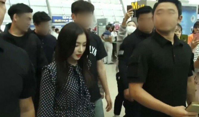 Irene, irene security, red velvet, sm security, sm body guard, irene jakarta, irene body guard