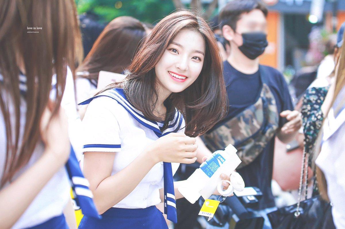 bomi, apink, apink bomi, hwasa, mamamoo hwasa, taeyeon, luda, rose, blackpink, lee saerom, idol school, idol school lee saerom