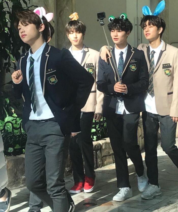 Stray Kids, Stray Kids Profile, Stray Kids Lotte World