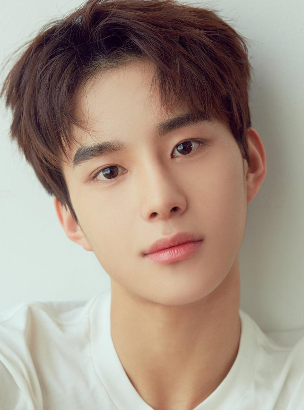 NCT JungWoo, NCT JungWoo Profile, JungWoo, KPop Idol Eyebrows