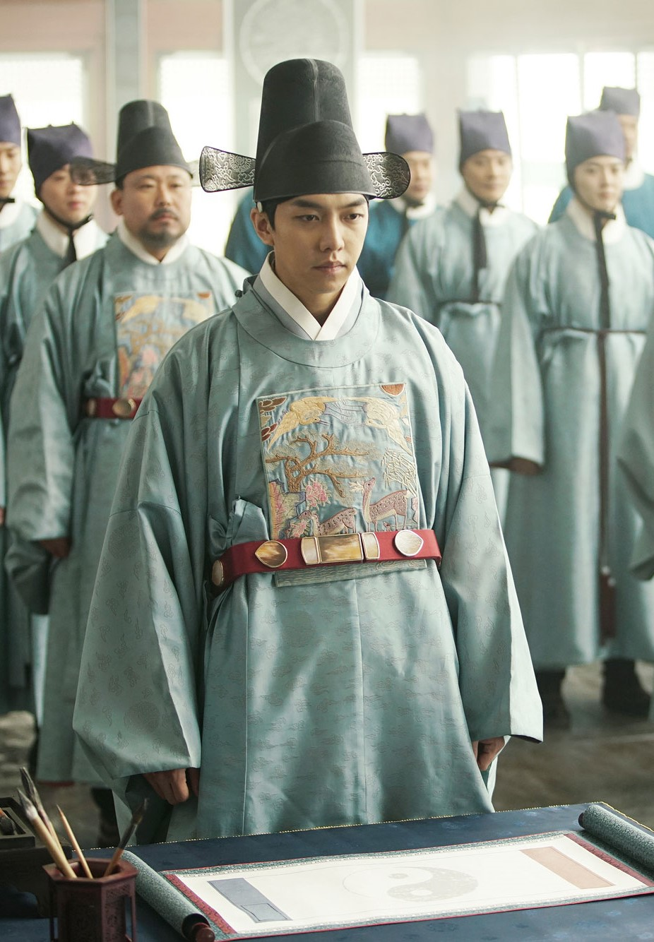 HISTORICAL DRAMA, KOREAN HISTORICAL DRAMA, KOREAN ACTOR, KOREAN ACTOR HISTORICAL DRAMA, HANDSOME KOREAN ACTOR, KOREAN COSTUME, KOREAN ACTOR LONG HAIR, KOREAN ACTOR KING, KOREAN ACTOR CROWN PRINCE, KOREAN ACTOR PRINCE, LEE SEUNGGI, YOON SIYOON, PARK BOGUM, YOOSEUNGHO, YEO JINGU