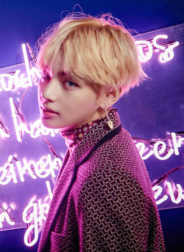 BTS V, BTS V Profile, BTS V Earrings