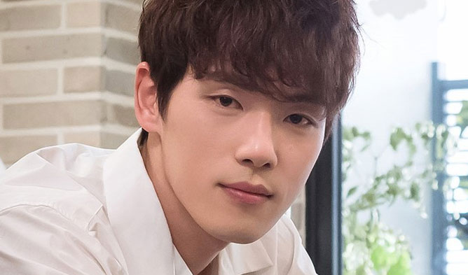 KIM JUNGHYUN, KIM JUNGHYUN PROFILE, ACTOR KIM JUNGHYUN, KOREAN ROOKIE ACTOR, WAIKIKI ACTOR