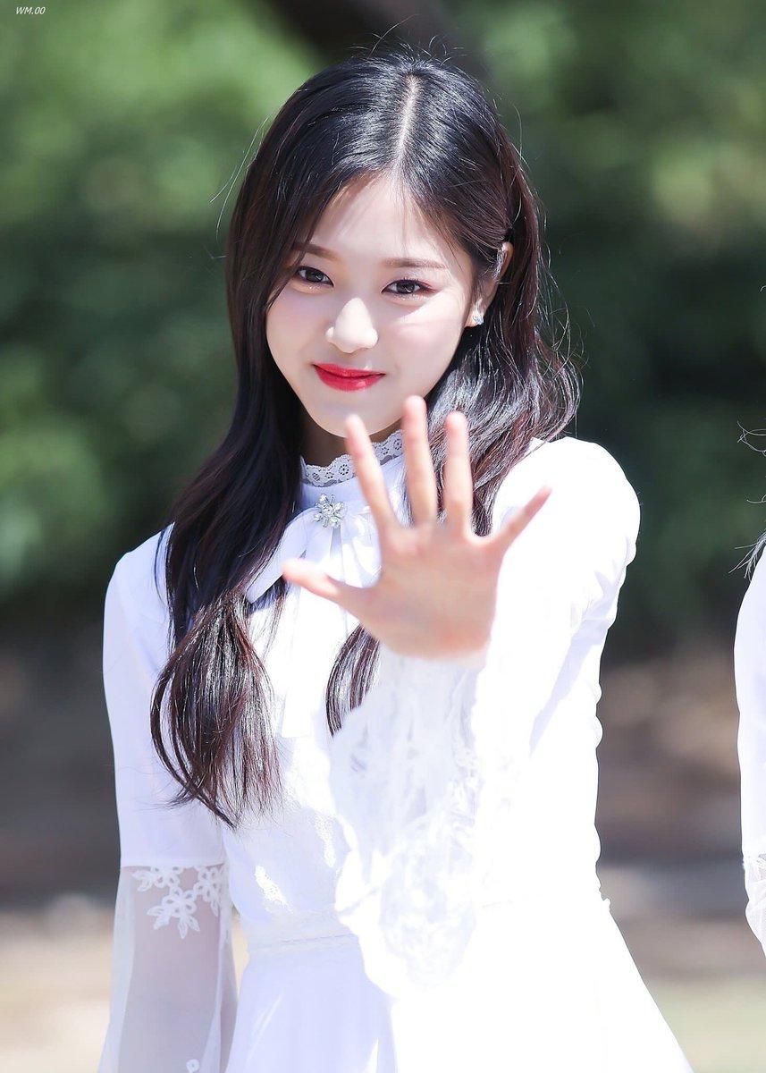 loona, loona hyunjin, hyunjin, loona profile, loona facts, hyunjin height