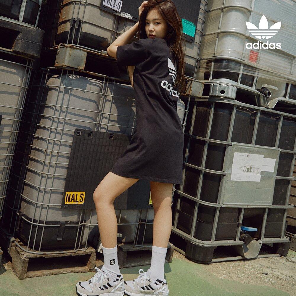 BLACKPINK Jennie Adidas