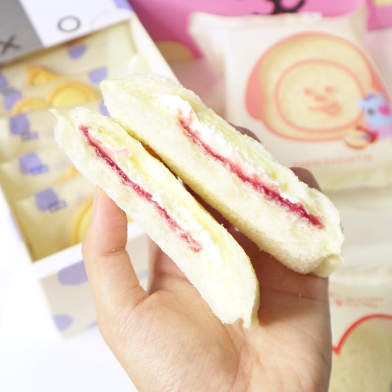 bt21, bt21 paris baguette, bt21 products, bt21 bread, bt21 bakery, paris baguette korea