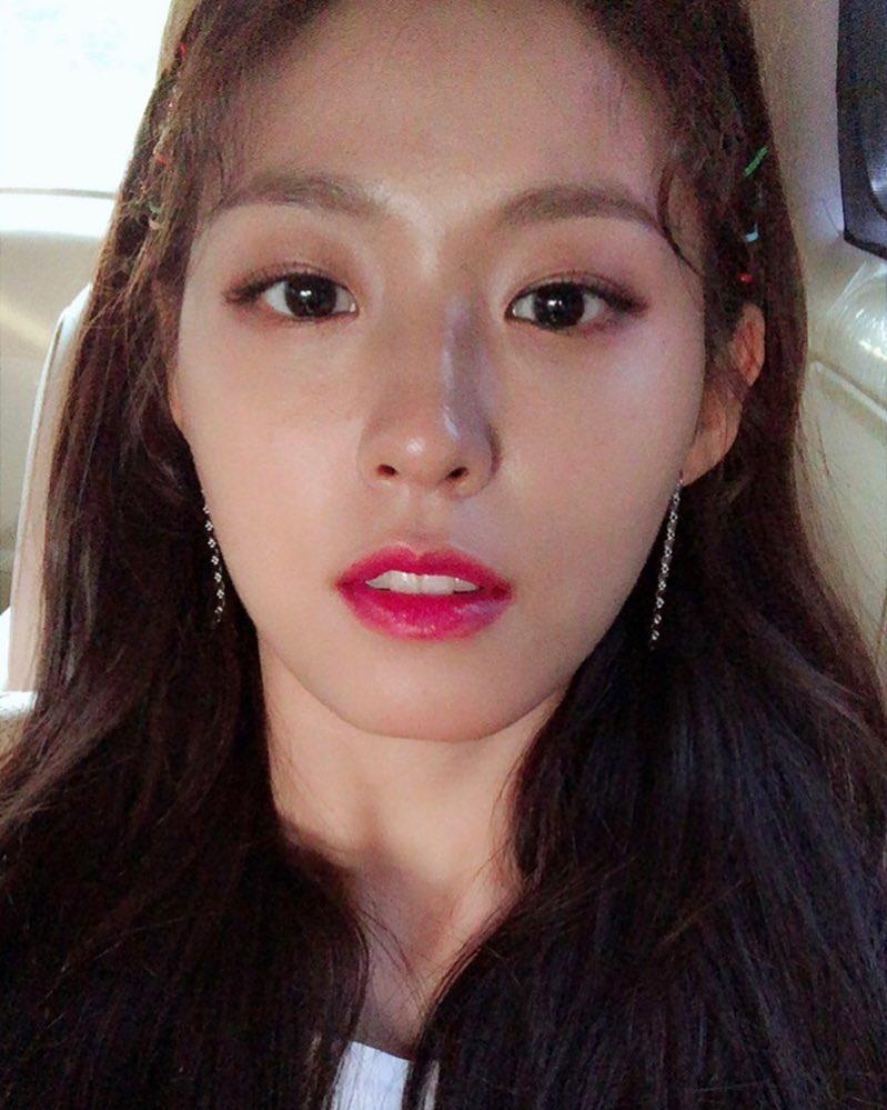 aoa, aoa seolhyun, aoa profile, seolhyun, aoa facts, aoa height, aoa members, aoa age,