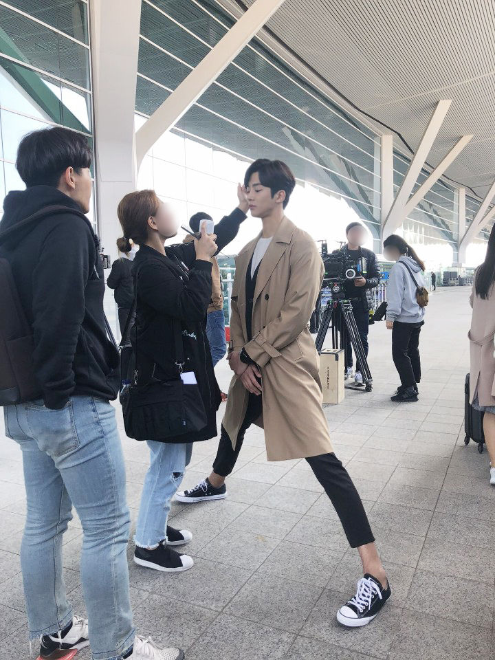 SF9 RoWoon manner legs, SF9 RoWoon where stars land, rowoon, rowoon 2018
