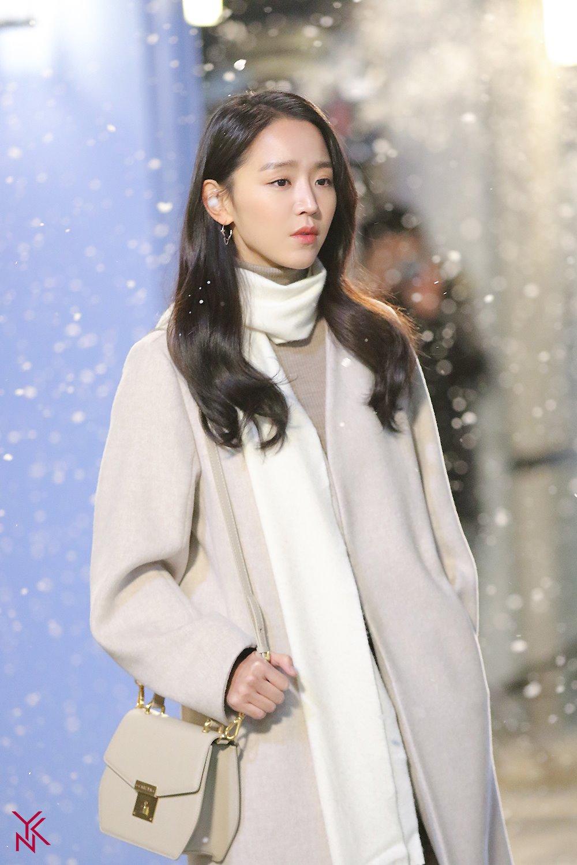 hottest actors, hottest actresses, 2018 actors, shin hyesun