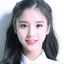LOONA HeeJin profile