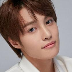 WayV YangYang profile