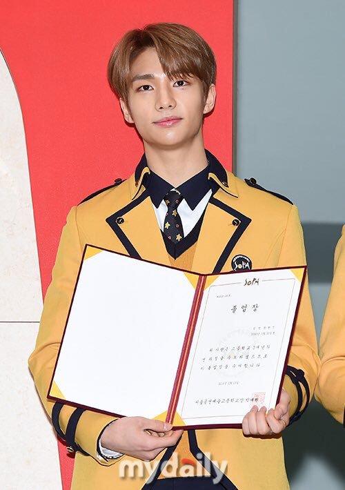 stray kids, stray kids profile, stray kids members, stray kids age, stray kids height, stray kids leader, stray kids hyunjin, hyunjin