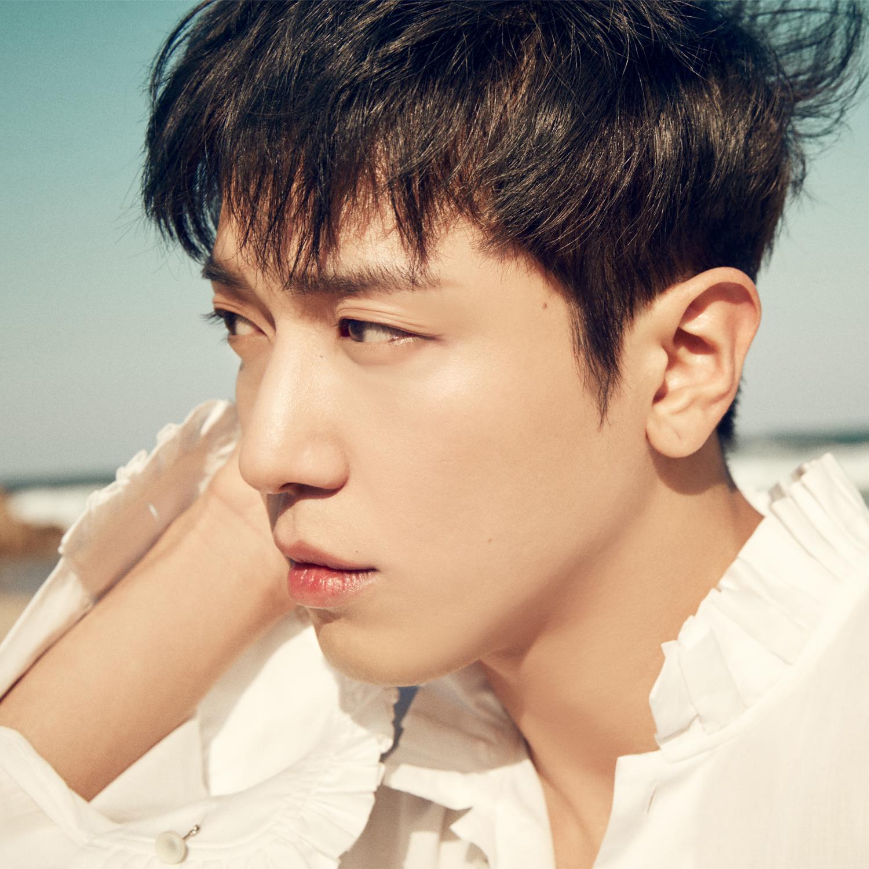 CNBLUE Jung YongHwa profile