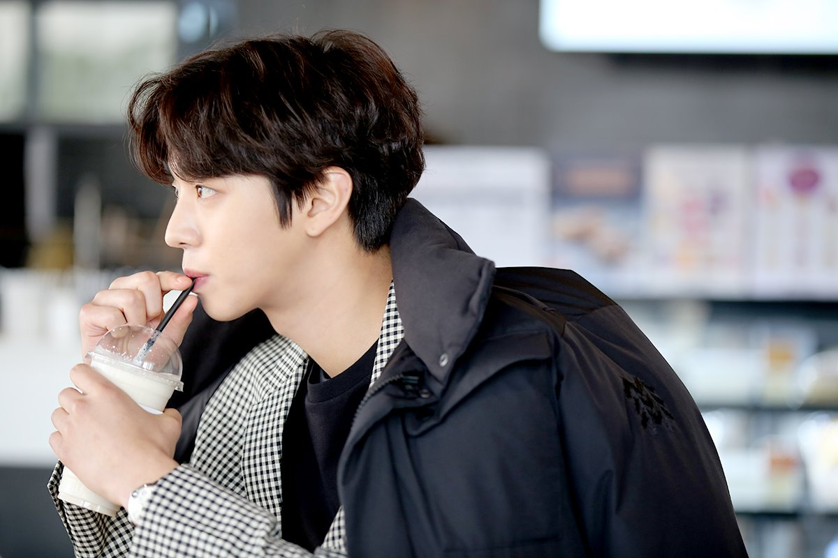 "Ahn Hyo Seop, ""Abyss"" Drama Set Behind-the-Scene"