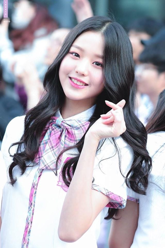 izone, izone profile, izone members, izone age, izone facts, izone height, izone leader, izone produce 48, produce 48, izone jang wonyoung, jang wonyoung