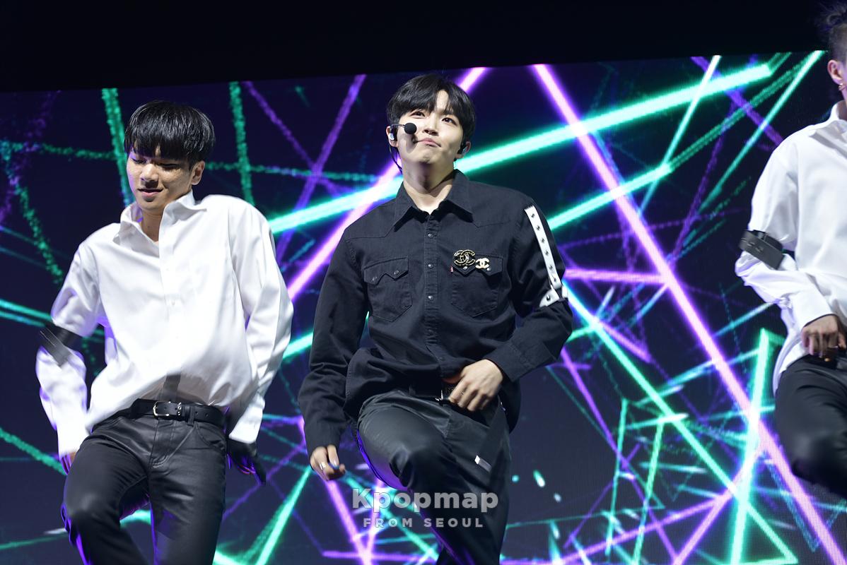kim jaehwan, kim jaehwan solo, kim jaehwan debut, kim jaehwan facts,kim jaehwan height, kim jaehwan age, kim jaehwan profile, kim jaehwan album, wanna one, wanna one kim jaehwan