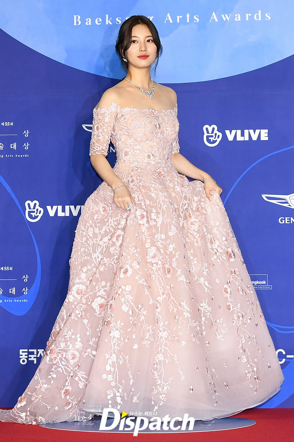 55th BaekSang Arts Awards Red Carpet, korean actresses dresses, suzy baeksang