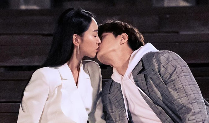 L & Shin HyeSun's Sweet Kiss Scene Makes Viewers Heart To