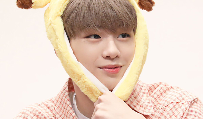 kang daniel, kang daniel profile, kang daniel facts, kang daniel fansign, kang daniel age, kang daniel dating, kang daniel male fan, kang daniel color on me, color on me