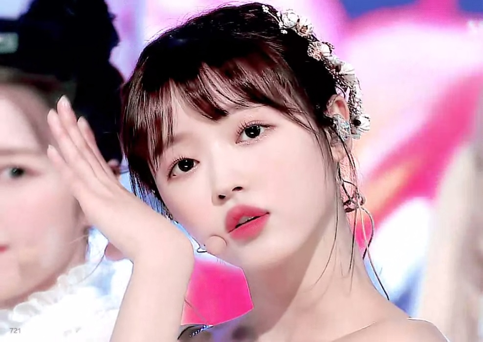 Fans Wonder If OH MY GIRL's YooA Is Actually A Doll That Came To Life