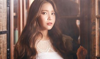"""MAMAMOO's Solar to Release A New Song For """"Solar's Emotion Part 4"""" On Her Birthday"""