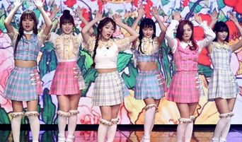 Stage Outfit of OH MY GIRL, Adorable But Overly Dressed