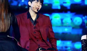 """Amazingly Sexy Moments of JB of GOT 7 Covering """"Who's Your Mama?"""""""