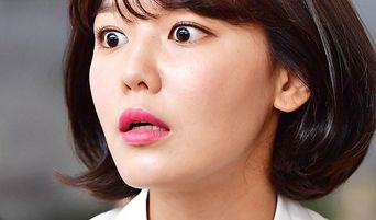 Funny Moments and Funny Facial Expressions Caught from Korean Celebrities