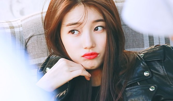 K-Pop Queen Suzy Shows How to Treat Fans The Right Way