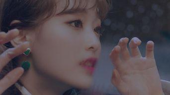 MV )) LOONA Chuu - Heart Attack
