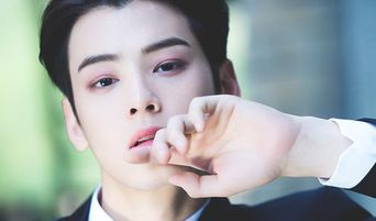 Top 3 Most Handsome Male K-Pop Idols Chosen By Japan