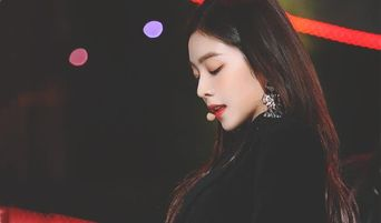 Top 5 Hottest Female K-Pop Idols Chosen By 100 K-Pop Idols