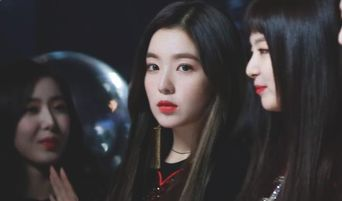 What It's Like When Female Idols Make Eye Contact With You