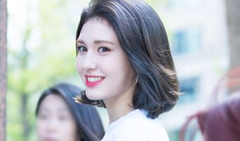 Jeon SoMi To Debut Solo Next Year March Under The Black Label