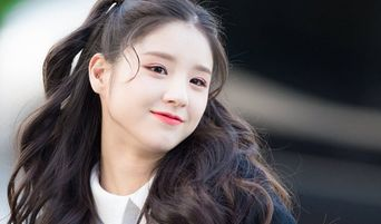 Netizens Think LOONA's HeeJin Is The Next Visual To Look Out For
