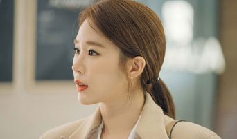 """Viewers Are Curious About Yoo InNa's Lipstick In Drama """"Touch Your Heart"""""""