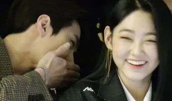 EXO SeHun & Gugudan MiNa's Cute Interaction At Seoul Fashion Week Caught Attention