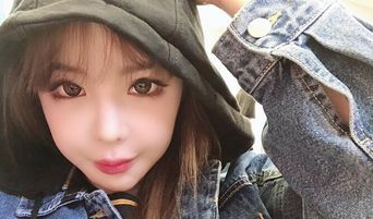 Fans Think 2NE1 Might Be Getting Back Together Real Soon